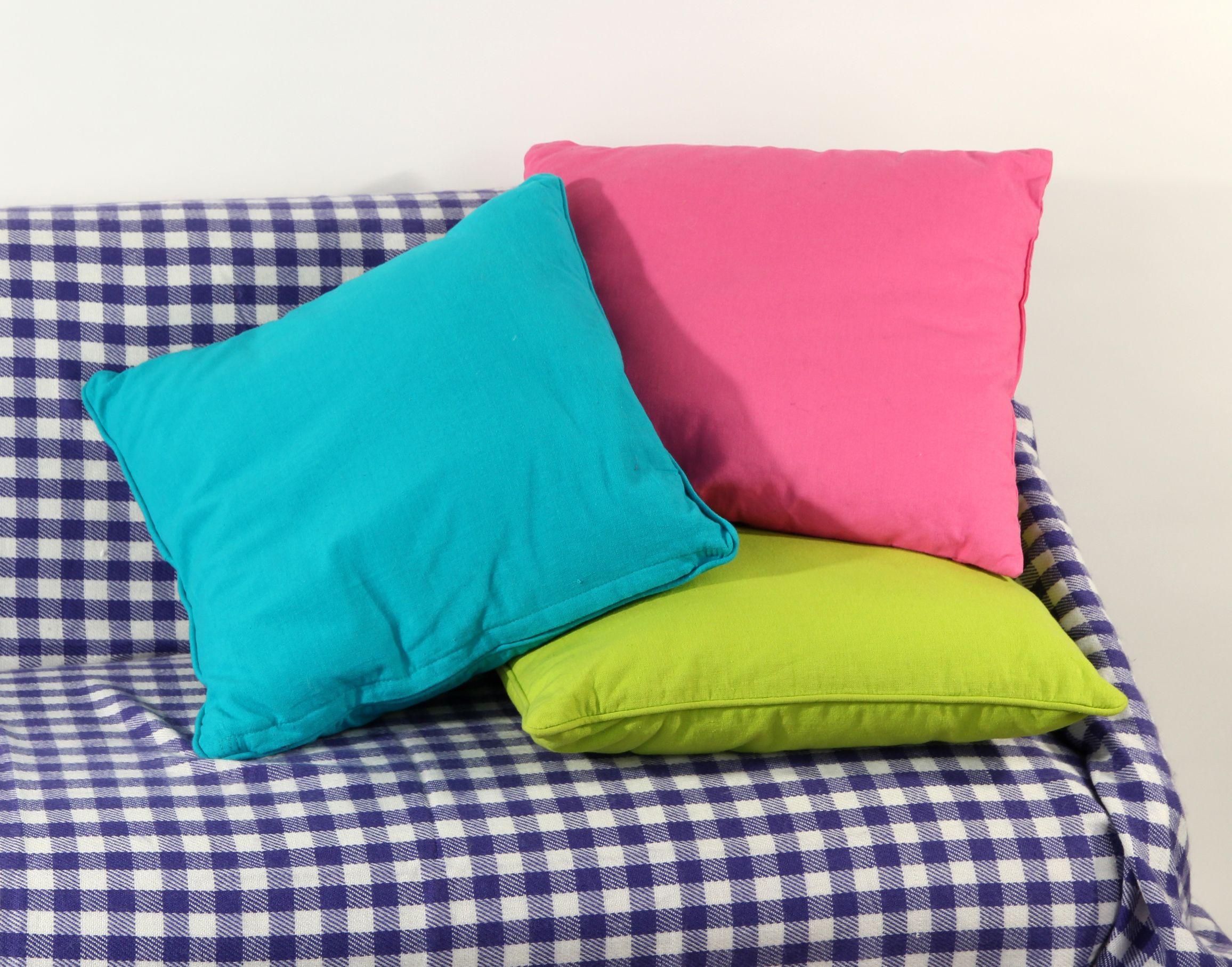 Cojines de colores pastel
